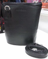 Scully Leather Handbag: Compact Traveler's Friend Black