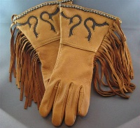 Patricia Wolf Gloves: Chocolate Scroll on Saddle